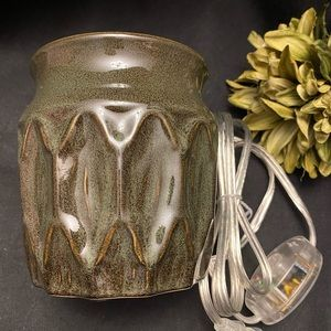 Gold Canyon-Trellis Warmer, New in Box
